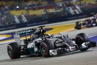 Singapore qualy: Hamilton wins by just 0,007s