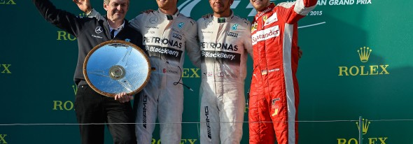 Lewis Hamilton wins the race with a one-stop strategy