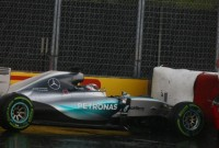 FP2 Montreal – Hamilton crashes but still first