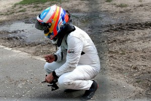 Alonso crash 3