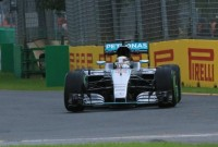 FP1 Melbourne: Hamilton on top in rain-affected circuit