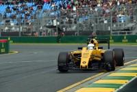 Lewis Hamilton on pole in Australia