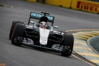 Hamilton hit with 5-place grid penalty for China